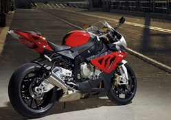 BMW S 1000 in Red