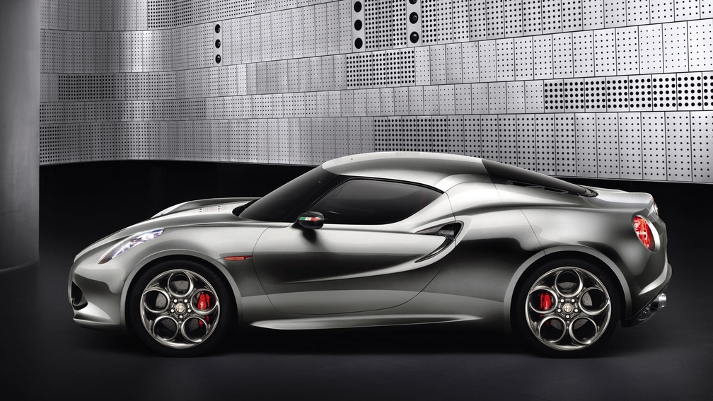 Alfa-romeo-4c-silver-from-side