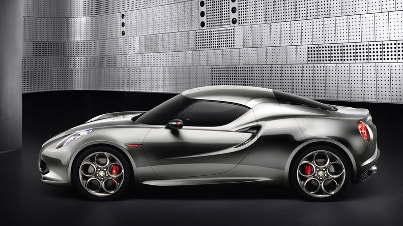 Alfa-romeo-4c-silver-from-side.jpg