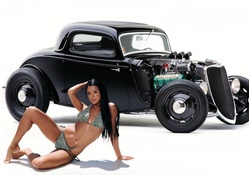 '33 Ford Coupe and Ashley Bulgari