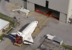 Atlantis _ Towed Toward Hanger