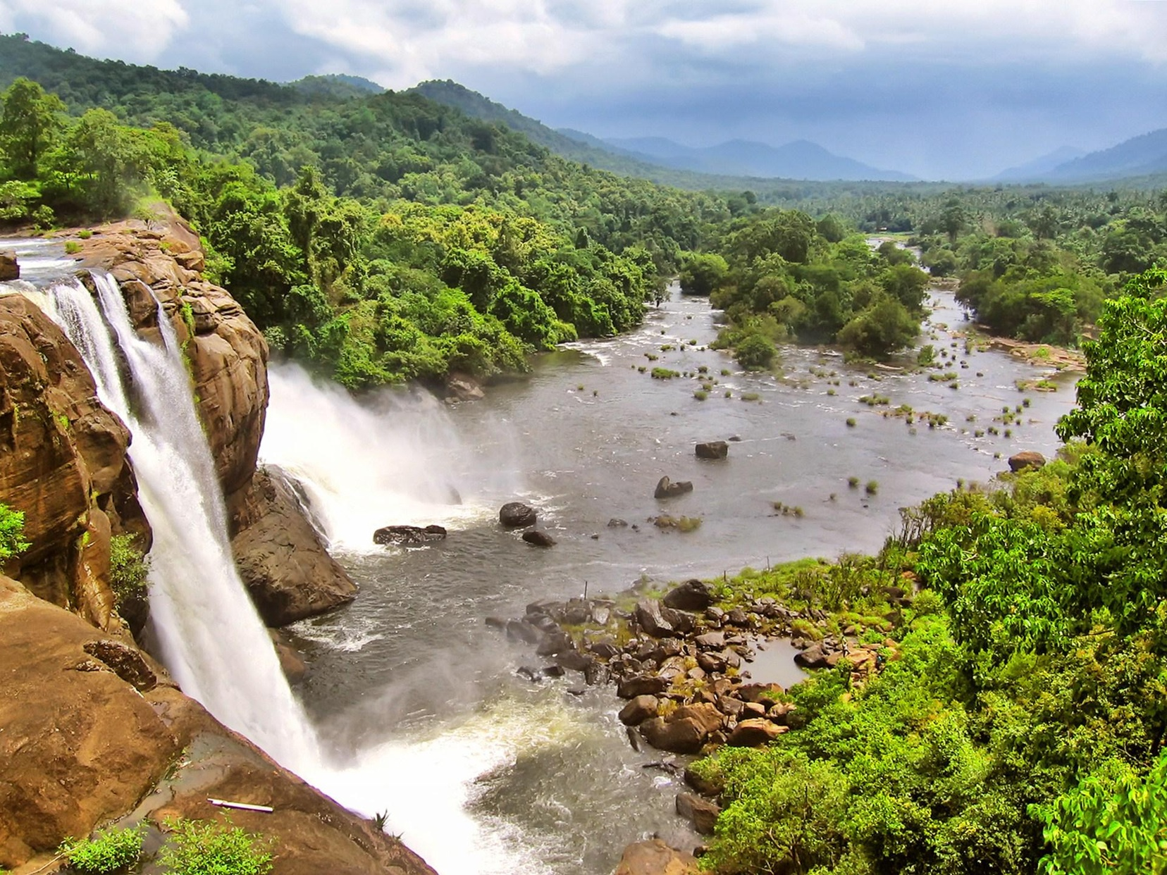 athirapally falls hd
