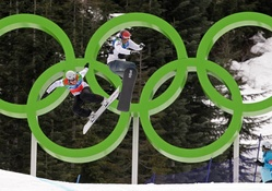 Green Olympic Rings