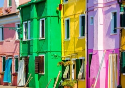 Brightly_Colored Houses