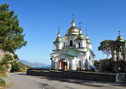crimean church on a road to the sea