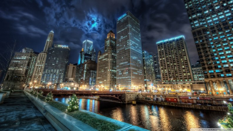 downtown_chicago_at_night_hdr.jpg