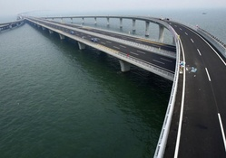 ramps to the longest bridge in the world