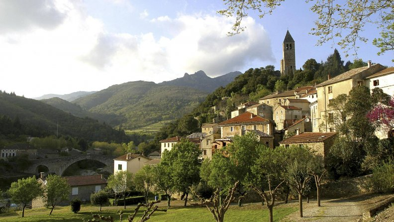 beautiful_olargues_france.jpg