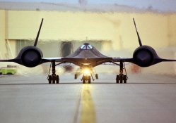 SR71 Blackbird _ Head On