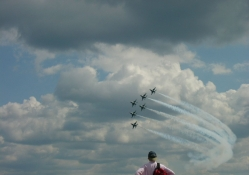 Thunderbirds in formation over Milwaukee