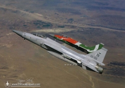 JF_17s_carrying_fueltanks