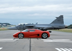 fighter plane vs koenigsegg