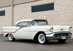 Oldsmobile Super 88 Holiday Coupe