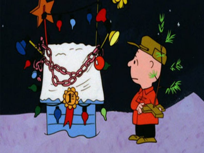 charlie_brown_with_chained_doghouse.jpg