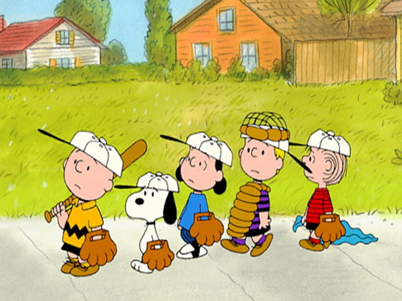 charlie_brown_with_baseball_team.jpg