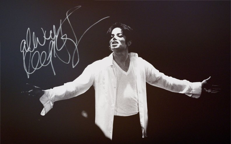 black_and_white_michael_jackson.jpg