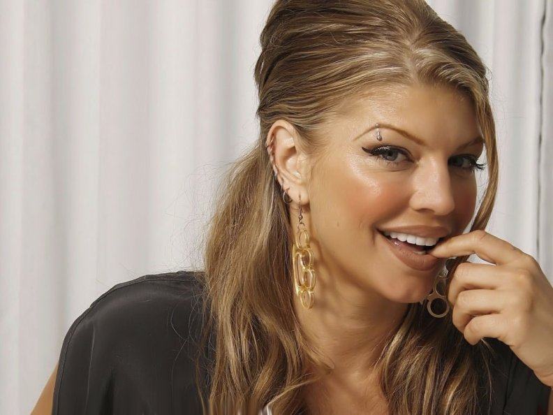 stacy_ann_ferguson_fergie_by_duke.jpg