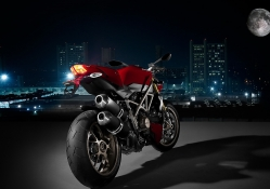 ducati_streetfigther