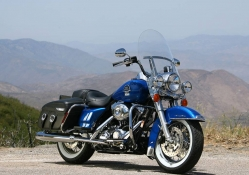 Harley_Davidson_FLHRC_Road_King_Classic