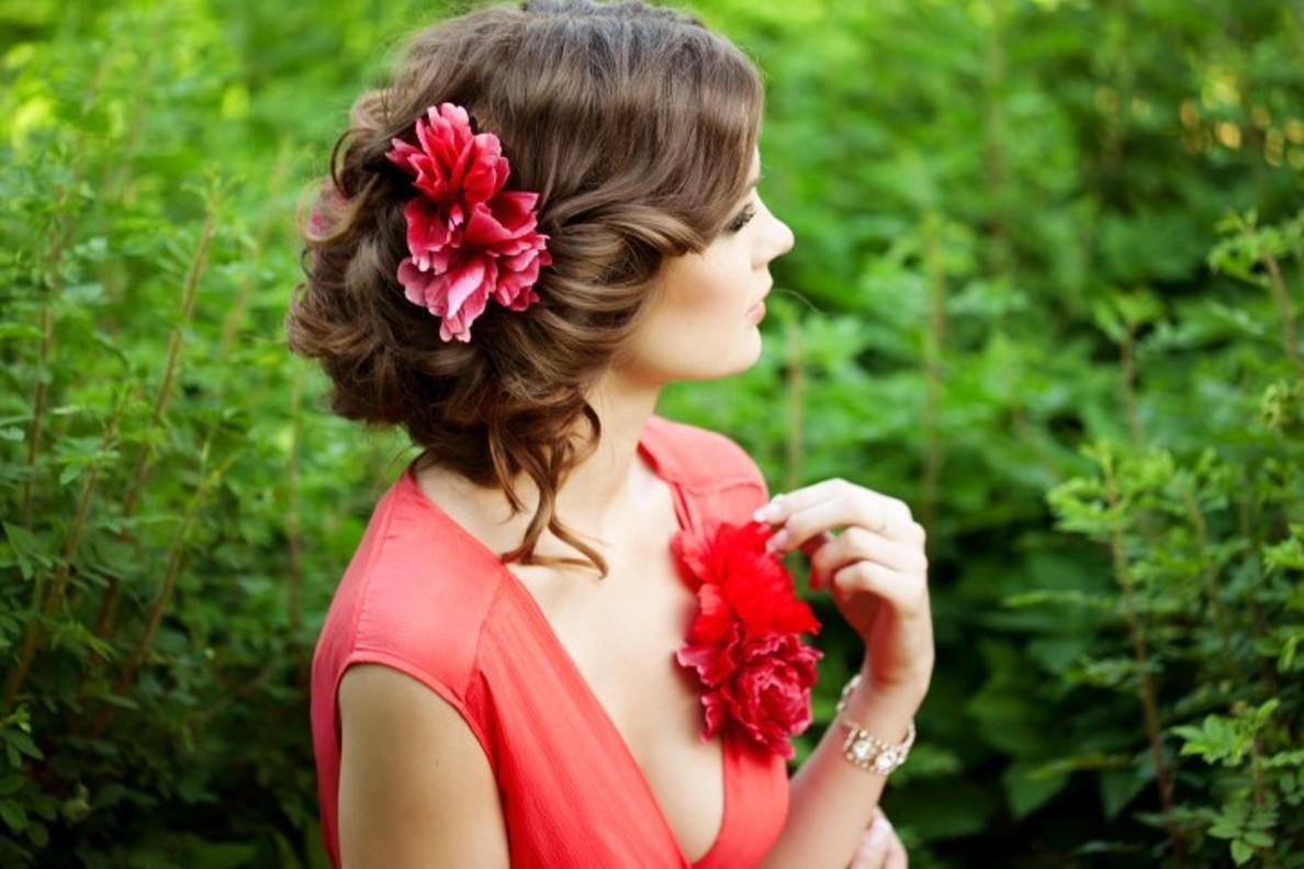 Прическа с цветами как сделать 221