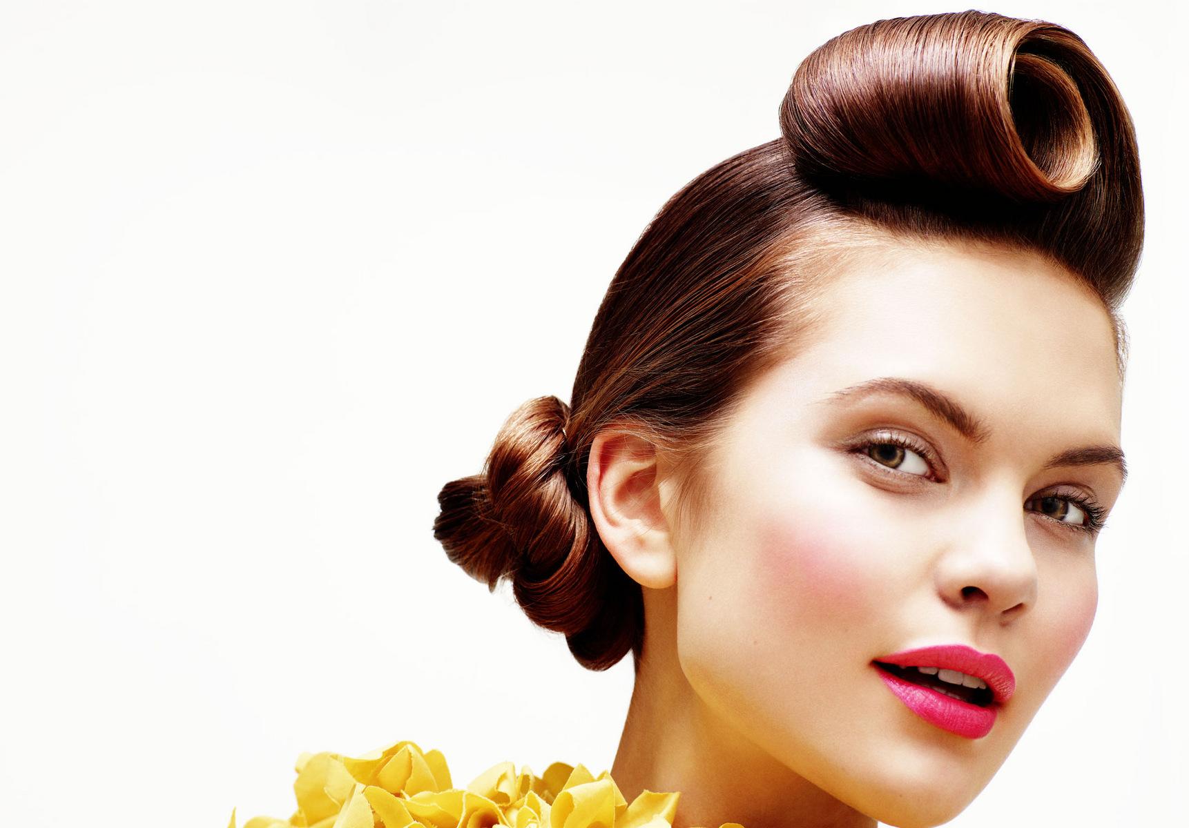 Прическа в стиле стиляг на средние волосы фото